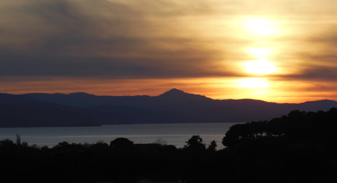 A sunset on Lesvos. Sometimes a risk is worth it, y'all.